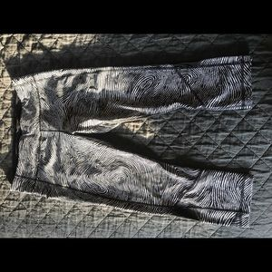 lululemon Pace Rival Crops. *limited edition
